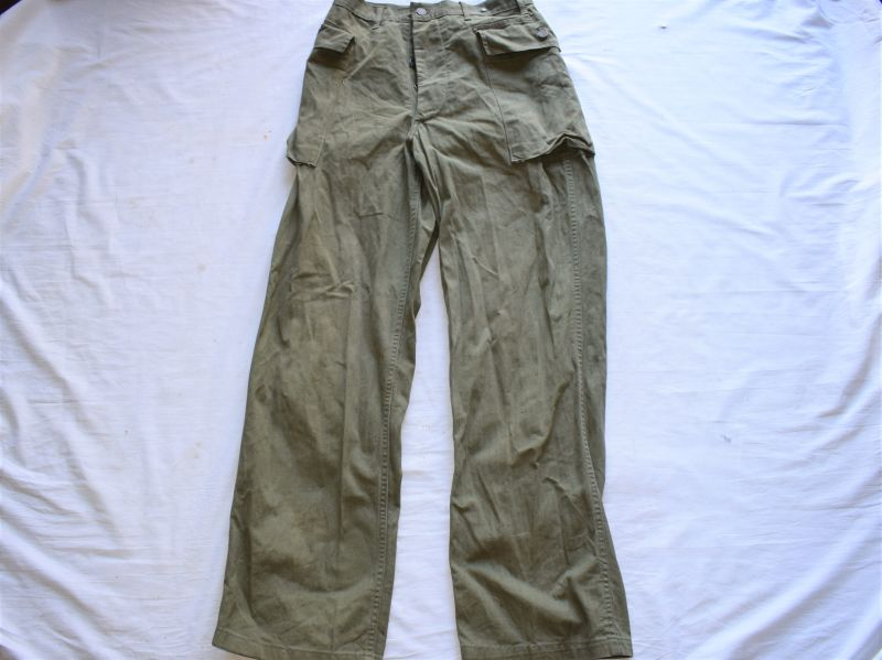98) Original WW2 US Army M-1943 Herringbone Twill Trousers
