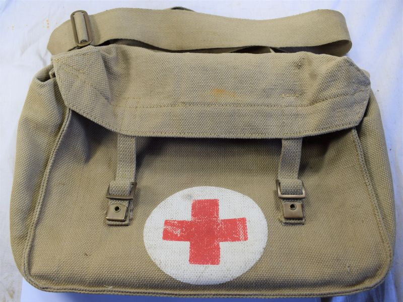 12) WW2 Pattern Medics Shell Dressings Bag MECo 1953