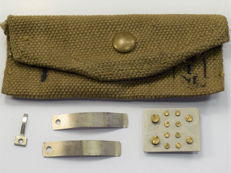 "65) Excellent WW2 5"" Heliograph Spares Pouch & Spares"