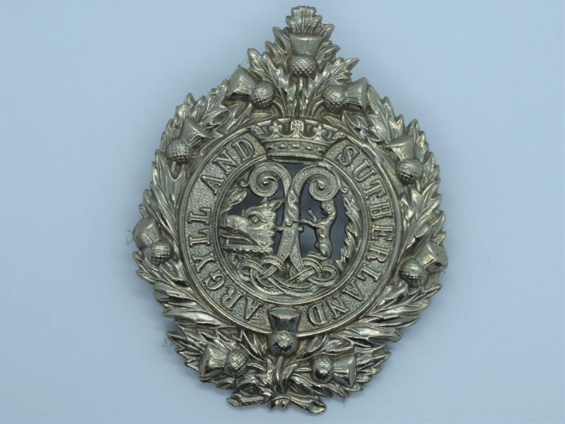89) Original WW1 WW2 Cap Badge To The Argyll & Sutherland Highlanders