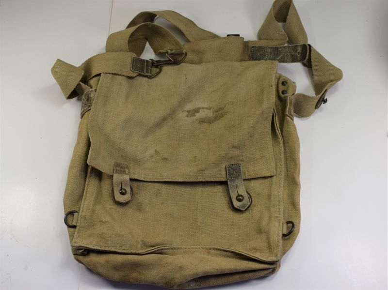 120) Original WW2 Italian Military Issue Respirator Haversack