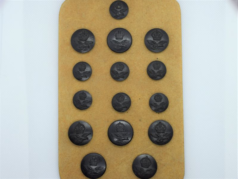 70) A Set Of 15 WW2 RAF Tropical Issue Black Bakelite Buttons