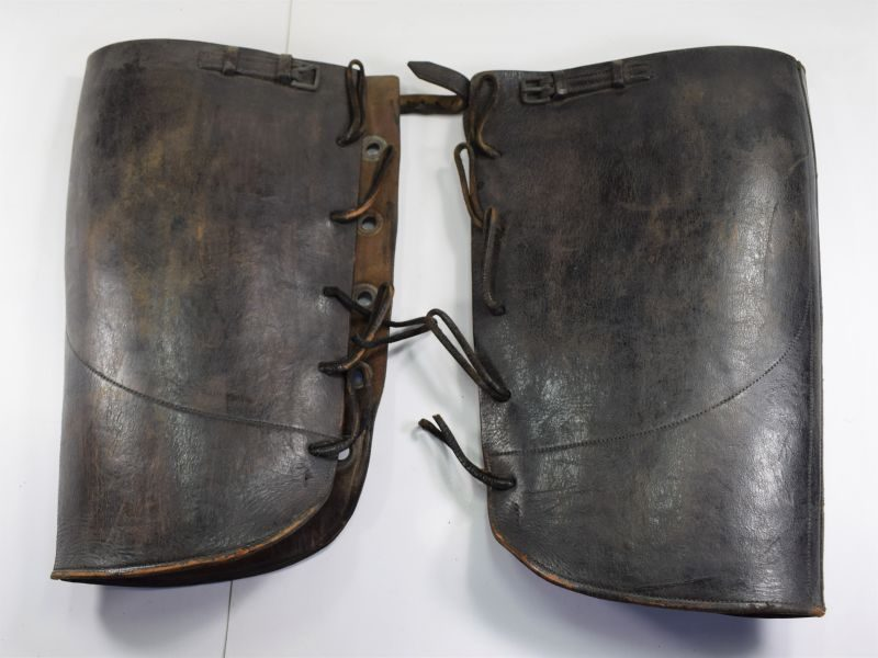 124) Excellent Heavy-Duty Boer War WW1 British Army Leather Gaiters Made in India