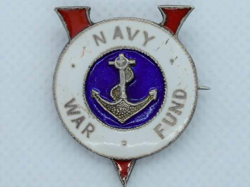 79) Lovely Original WW2 Enamelled V For Victory Navy War Fund Badge