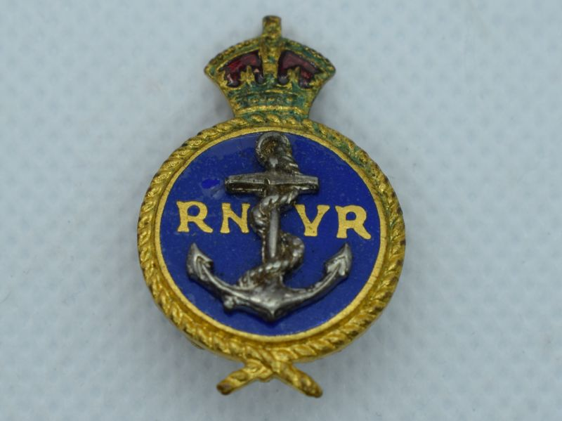 82) Excellent WW2 Royal Navy Voluntary Reserve Lapel Badge
