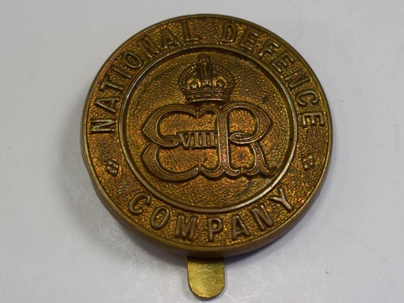 137) Original National Defence Company ERVIII Cap Badge