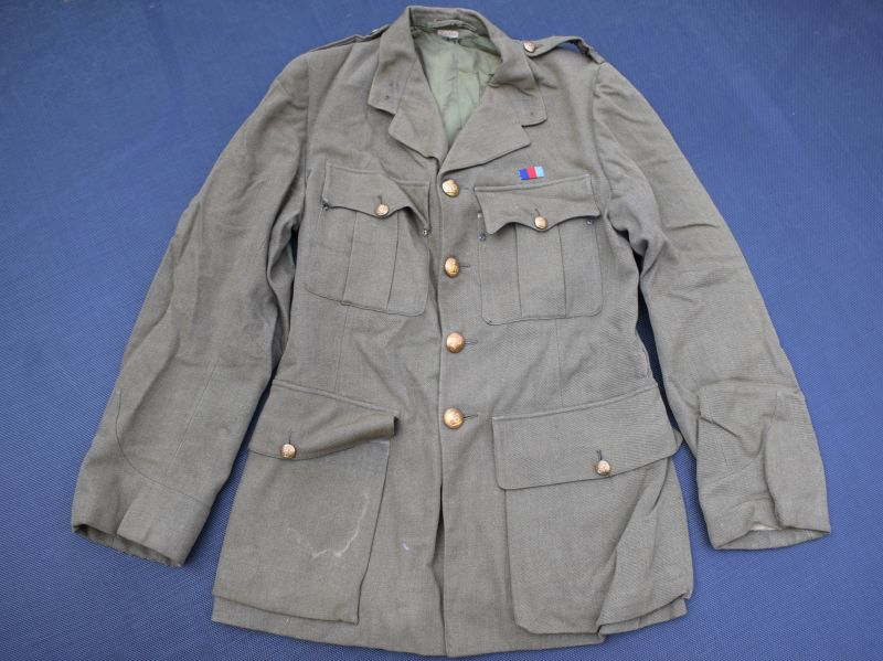 47) Good Original WW2 Royal Artillery Officers SD Jacket with ID