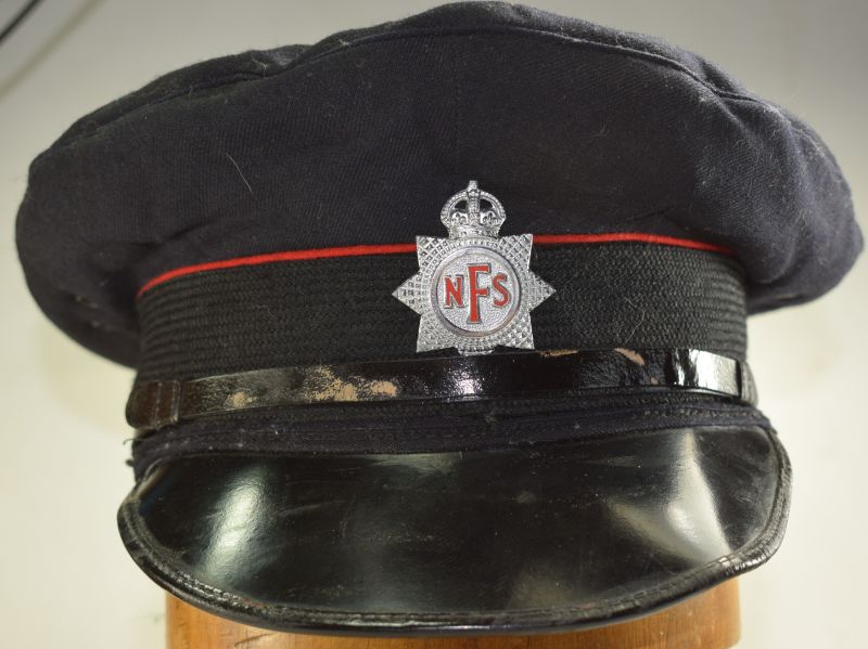 25) Excellent Original WW2 Era National Fire Service Fire Mans Cap