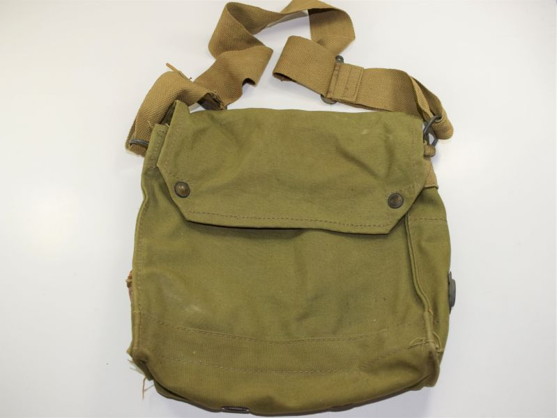 26) Original WW2 British Army Service Respirator Haversack MKVII 1942