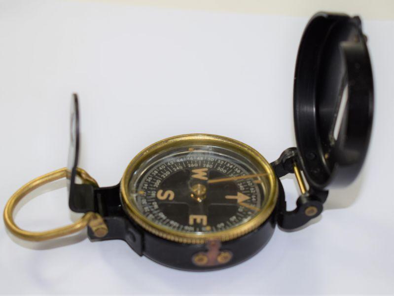 40) Excellent Original WW2 US Army Issue Lensatic Compass