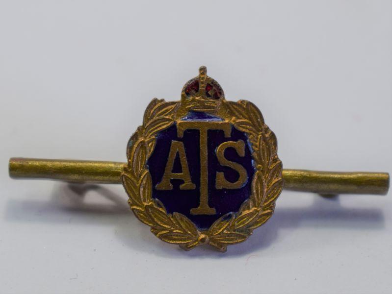 114) Nice Original WW2 ATS Pin Badge