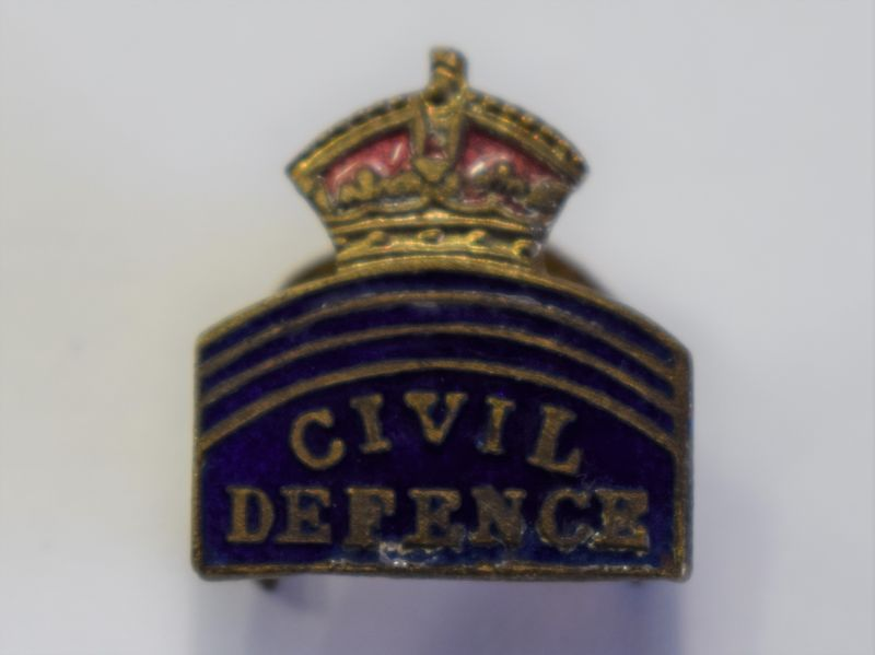 118) Good Original WW2 Civil Defence Enamelled Lapel Badge