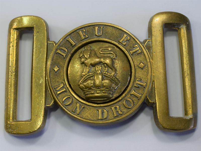 129) Good Original WW1 WW2 General Service Belt Buckle