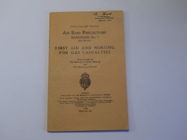 142) Excellent Original ARP Handbook No2 First Aid & Nursing for Gas Casualties