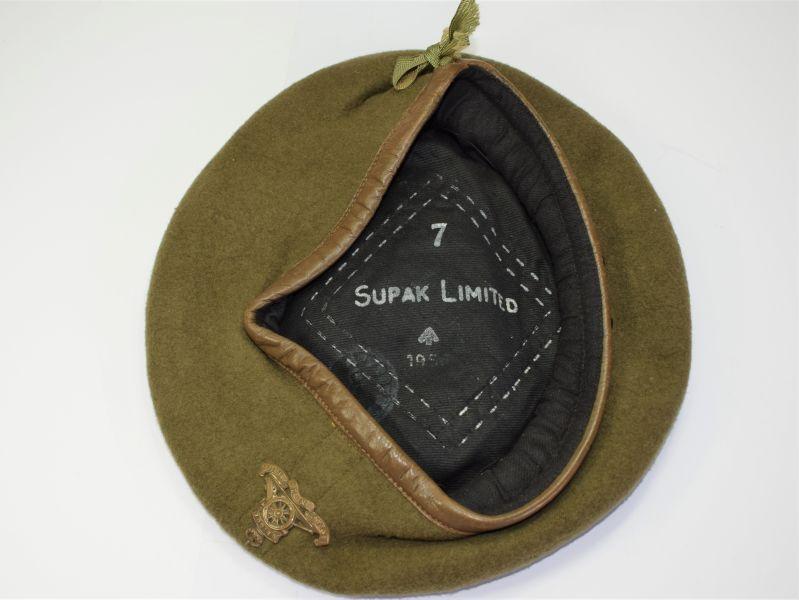 36) WW2 Pat Supak Ltd Beret Dated 1950s With Royal NZ Artillery Badge