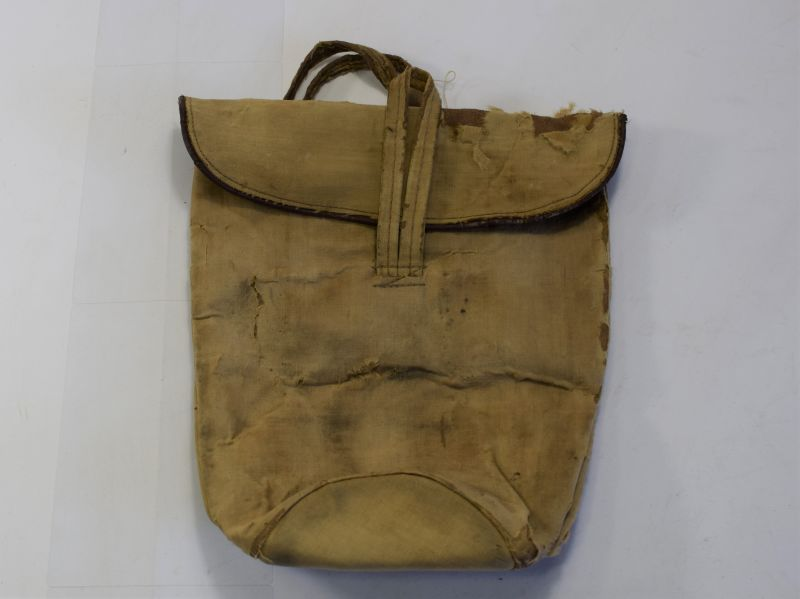 95) Tatty Original WW2 Woman's Private Purchase Gas Mask Hand Bag