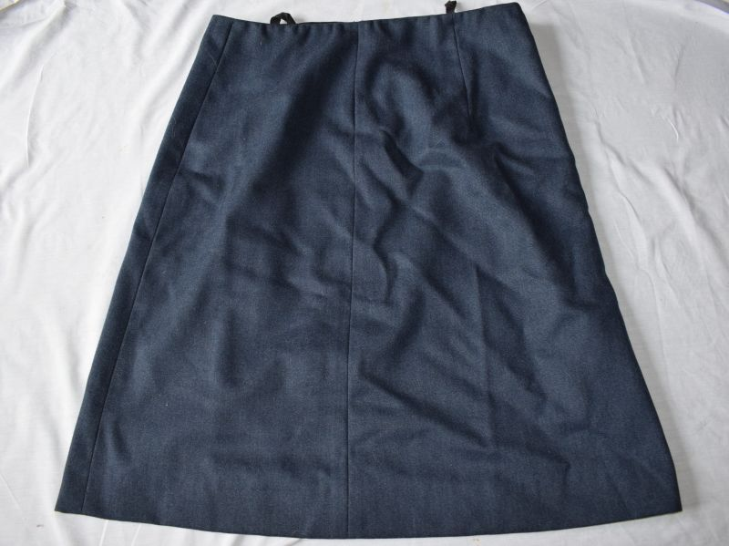 6) Post WW2 RAF Woman's WRAF Skirt in Large Size