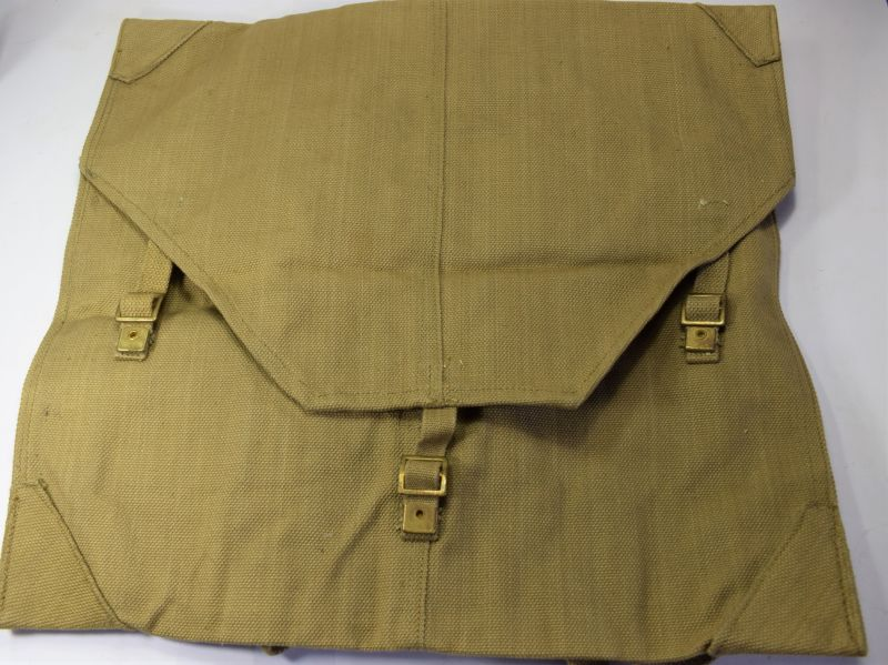 70) Mint Unissued Large WW2 Webbing Map Case MECo 1940