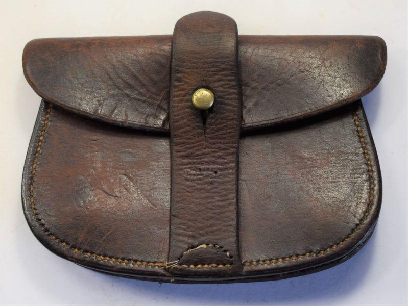 114) Excellent Original WW1 British Officers Sam Brown Pistol Ammo Pouch 1917