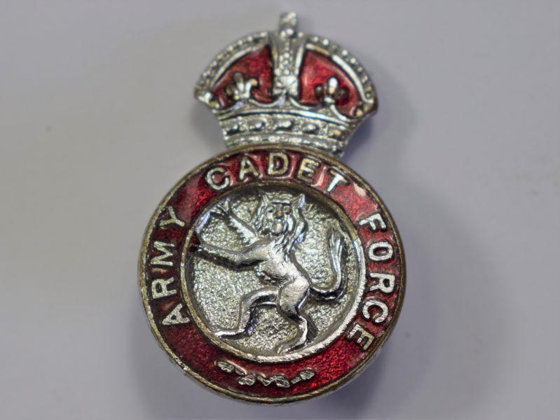126) Excellent Original WW2 Army Cadet Force Enamelled Lapel Badge