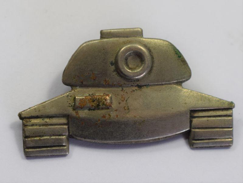 130) Interesting Vintage WW2? Pin Back Tank Badge