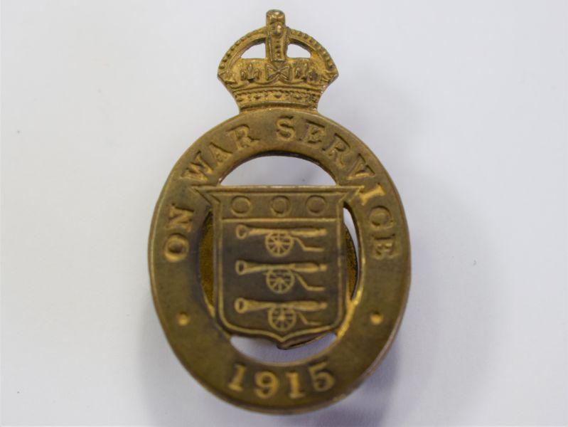 132) Excellent Original WW1 On War Service 1915 Lapel Badge