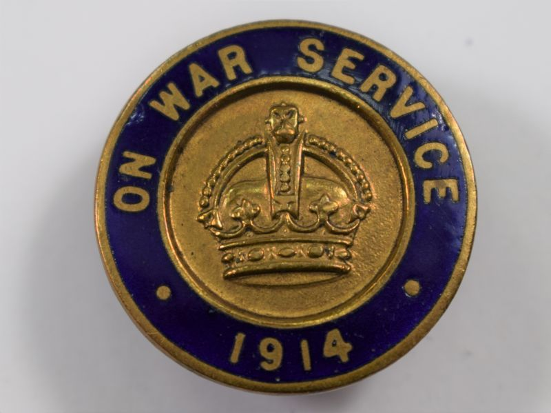 24) Nice Original WW1 On War Service 1914 Lapel Badge D.C.Collins