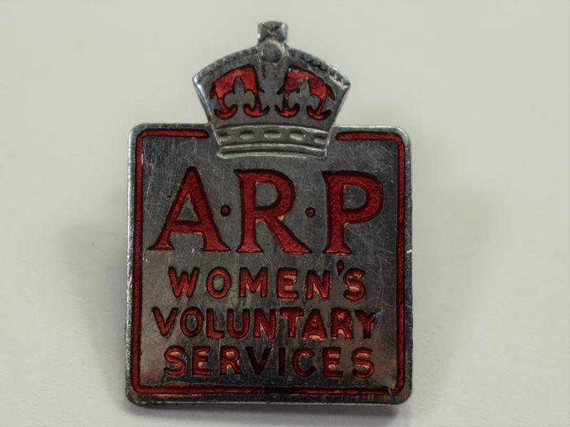 67) Nice Original WW2 ARP Woman's Voluntary Service Cap & Uniform Badge
