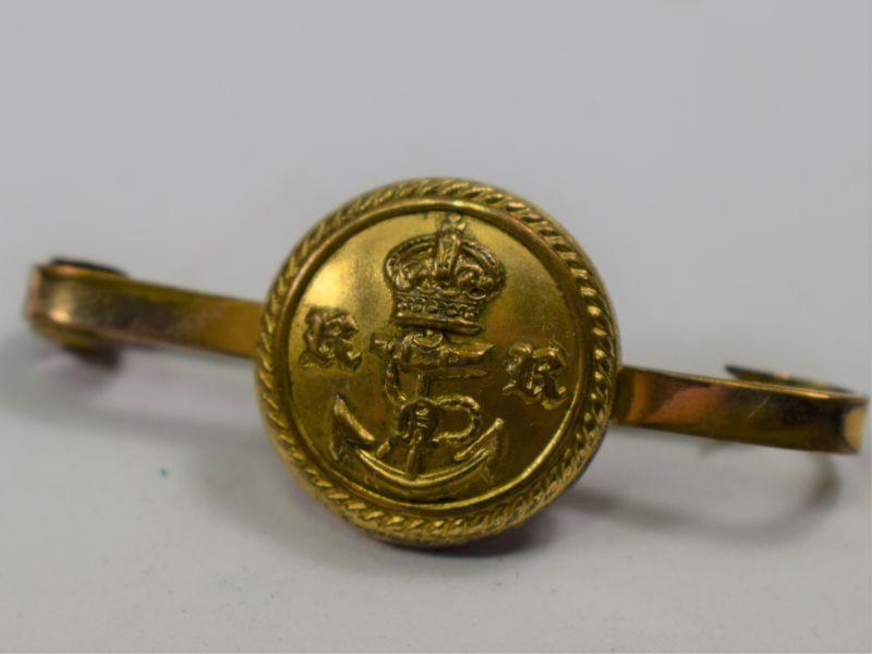 71) Small WW1 WW2 Sweetheart Brooch RNR button on Gold Bar