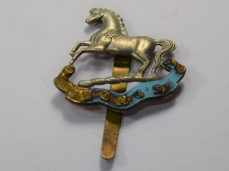 87) Original WW1 WW2 Cap Badge The Kings Liverpool Regiment