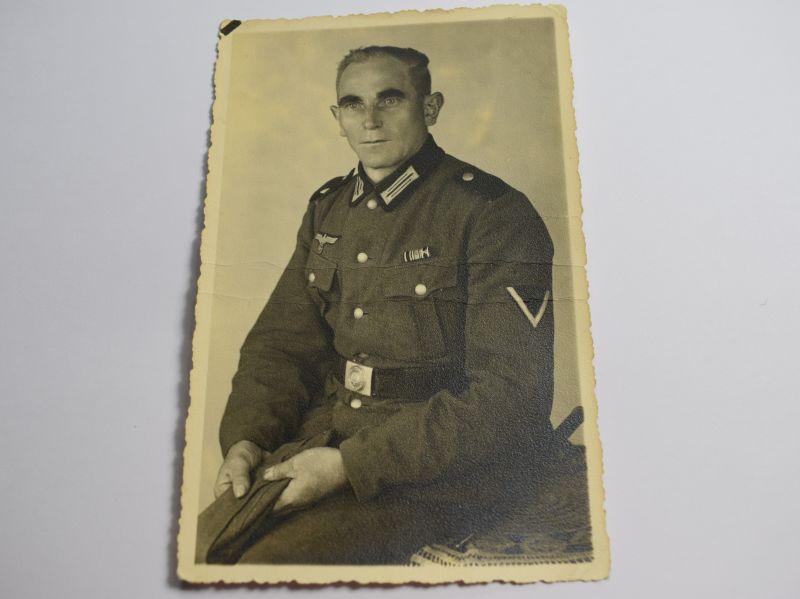 104) Original WW2 German Portrait Photograph of Man in RAD Uniform