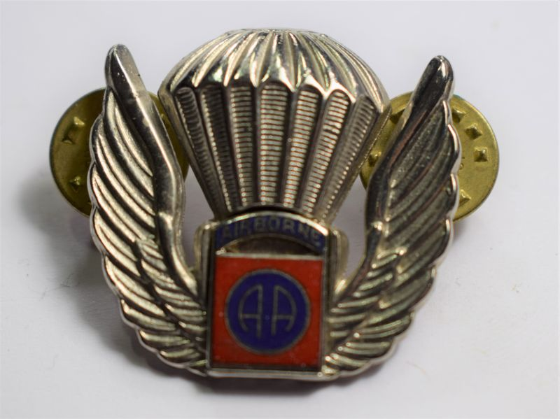 112) Vintage 1970s-80s Badge 82nd Airborne Div Freefall Para Wings