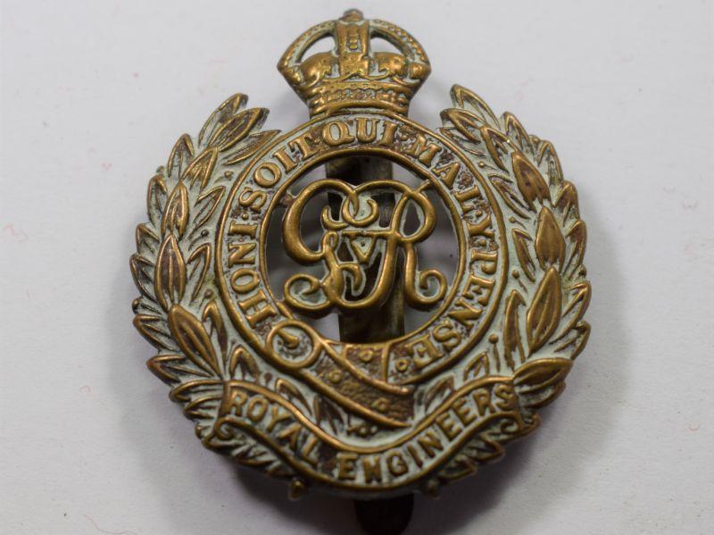 29) Good Original WW1 Cap Badge The Royal Engineers