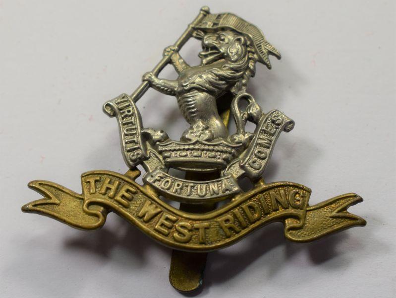 30) Good Original WW1 WW2 Cap Badge The West Riding Regiment