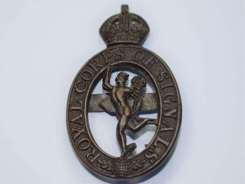 102) Excellent Original WW2 Royal Corps of Signals Officers Bronze Cap Badge