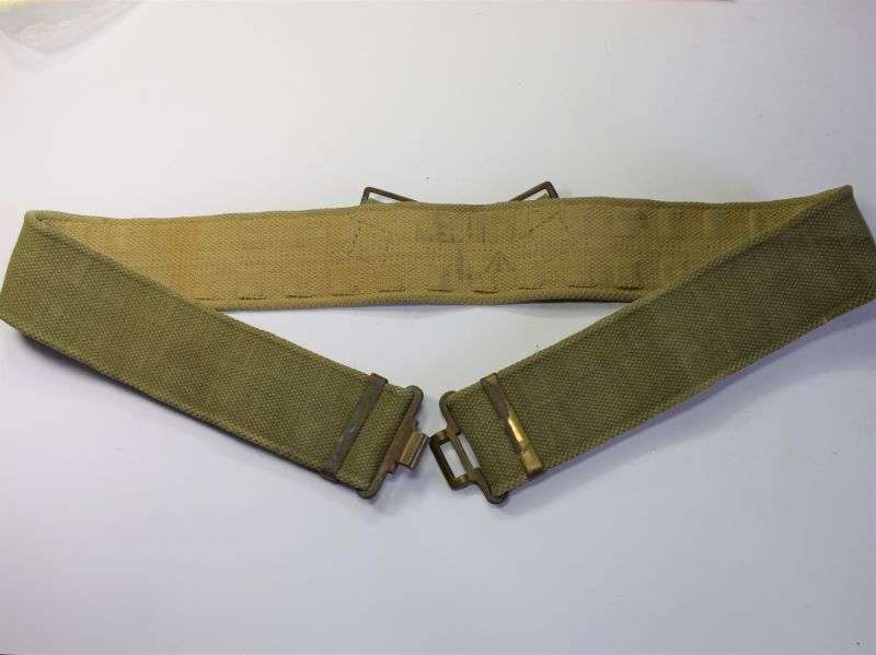 117) Good WW2 British Army 37 Pat Web Waist Belt, Size Large