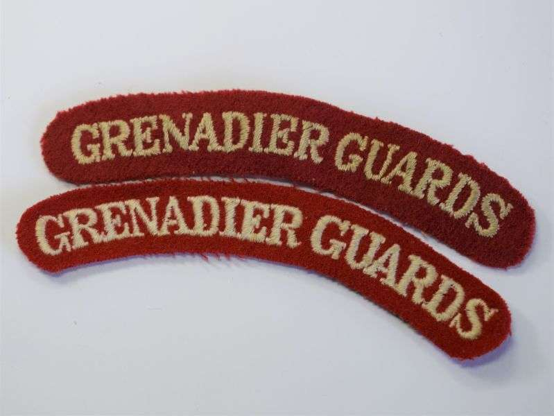 125) Original WW2 1950s? Grenadier Guards Cloth Shoulder Title Pair.