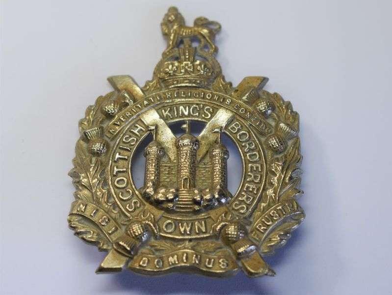 135) Original WW1 WW2 Cap Badge to the Kings Own Scottish Borderers