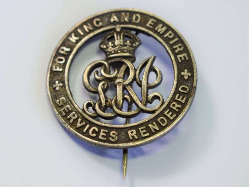 138) Original WW1 British Army King & Country Service Rendered Wound Badge