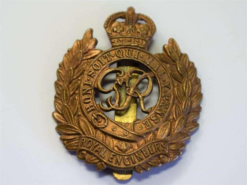 143) Original WW2 British Royal Engineers Cap Badge
