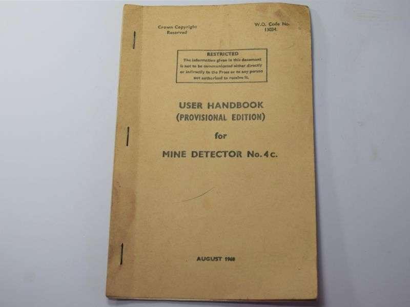 41) Original 1960s User Handbook for Mine Detector No 4C.