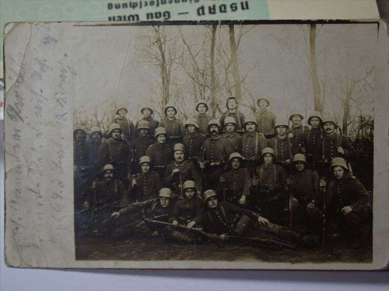 49) Interesting WW1 German Soldier Group Photo, Helmets, Guns etc 1916