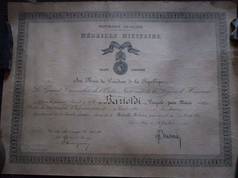 35) Tatty Original 1930s French Certificate for Medaille Militaire