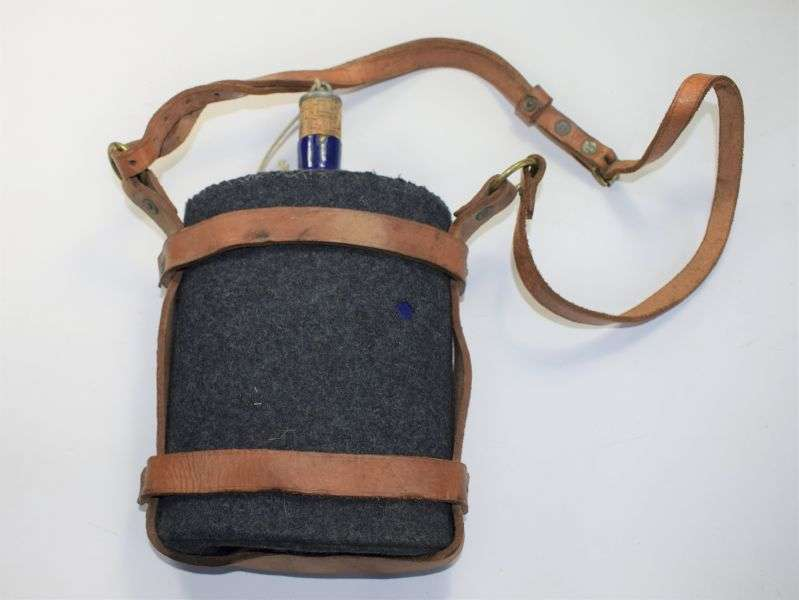 116) Excellent WW2 RAF WAAF Water Bottle & Leather Carrier 1942