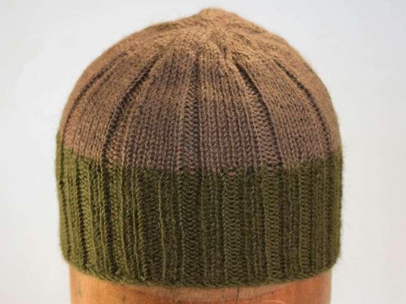 38) Original WW2 British Knitted Woollen Cap Comforter Worn Under Steel Helmet