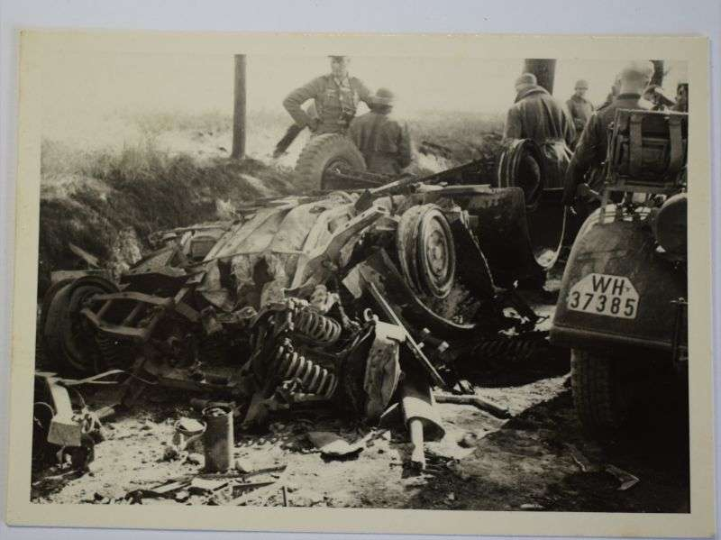 169) Original Small WW2 Photograph of German Officer & Destroyed Vehicle