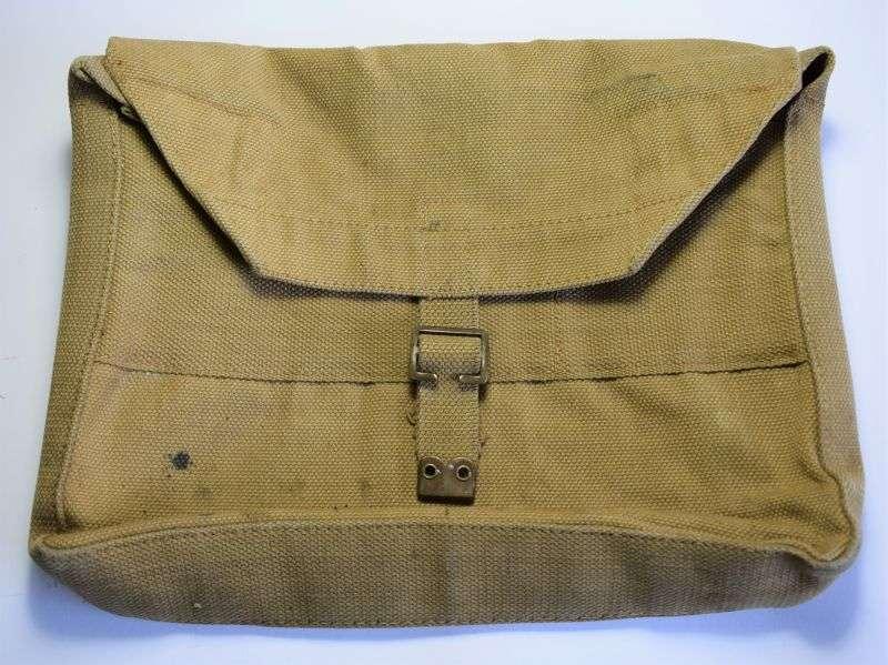 30) Excellent Original WW2 British Army Officers Haversack Briefcase MECo 1943