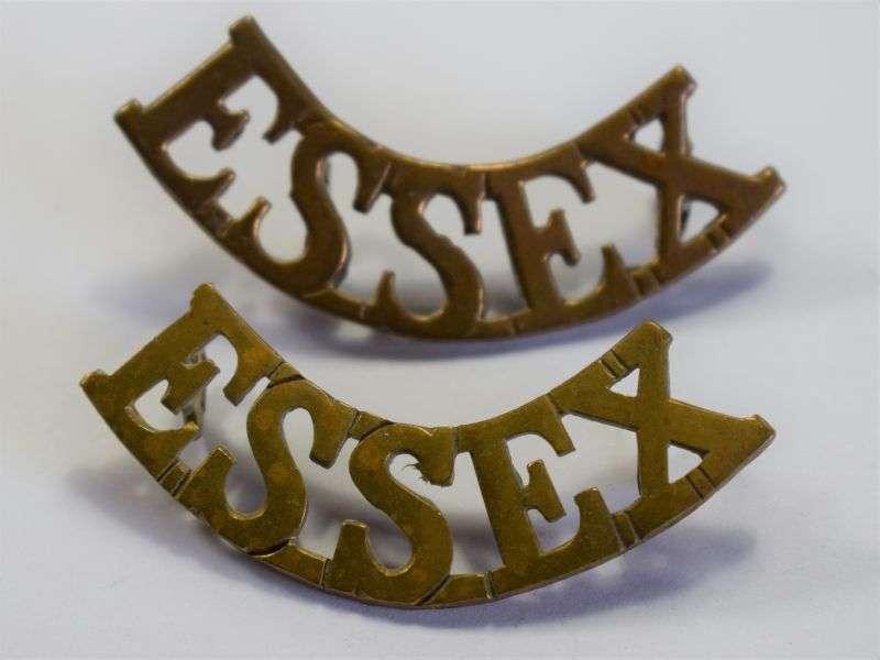 88) Original WW1 WW2 British Army Essex Regt Brass Shoulder Title Pair