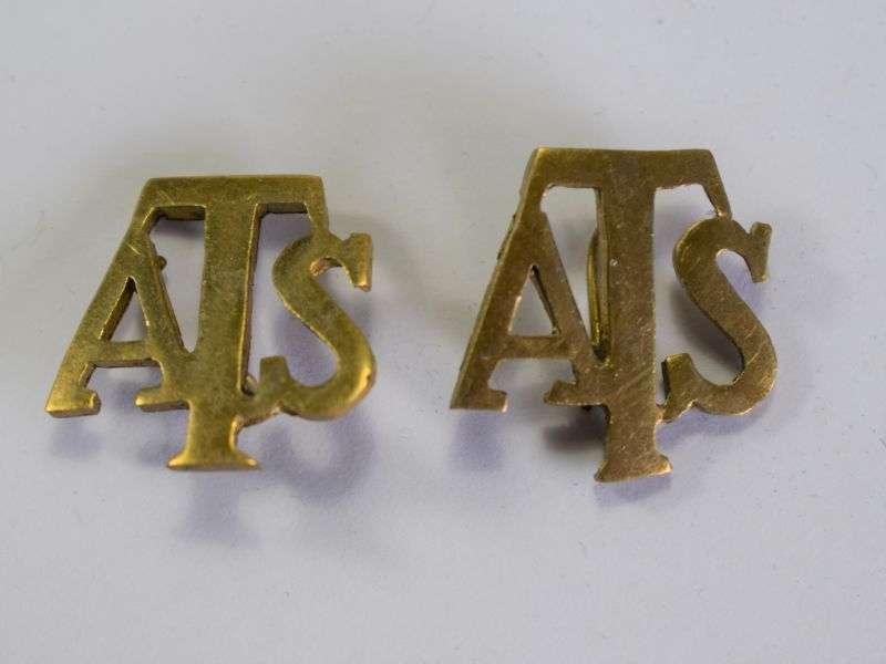 14) Original WW2 ATS Pin On Collar Dog Pair