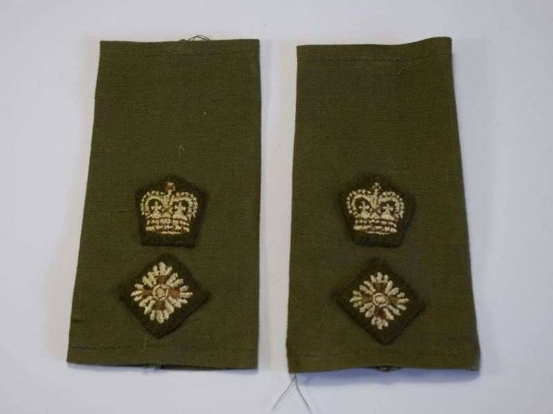 61) 1950s-1960s British Officers Rank Slides to Lt Colonel